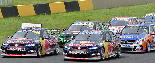 V8 Supercars double-file-restart