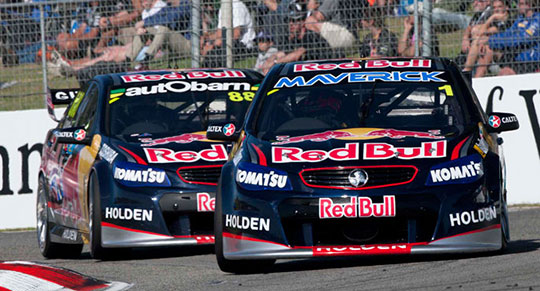 Whincup and Lowndes lock out race 12 front row