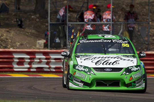 David Reynolds takes his Bottle-O racing FPR Ford to the top in Darwin