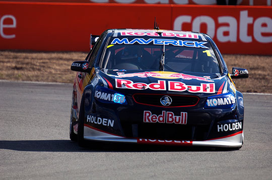 Jamie Whincup lands pole for the Ipswich 360 opening race