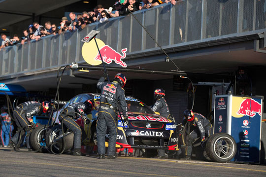 V8 Supercars commission implement compulsory pitstops for the 2014 enduros