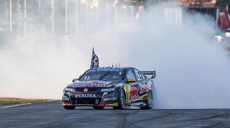 Jamie Whincup celebrates 2014 Sandown 500 win