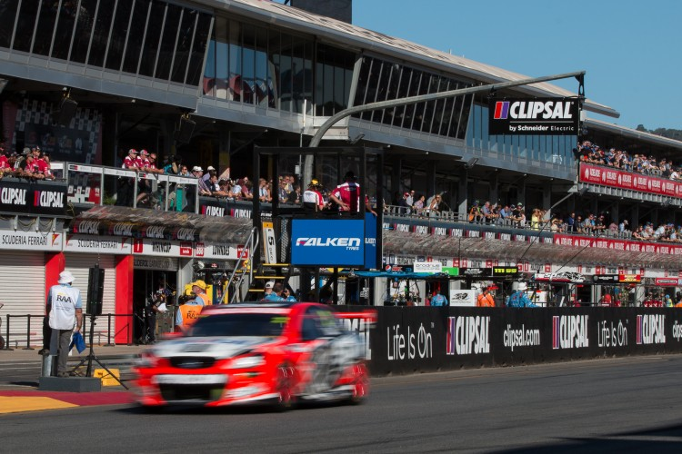 V8 Supercars Clipsal 500