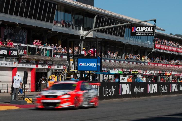 V8 Supercars Clipsal 500